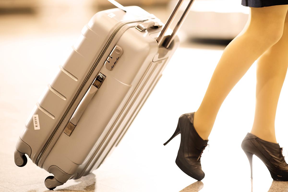 Пластиковый чемодан: обзор лучших моделей, отзывы покупателей