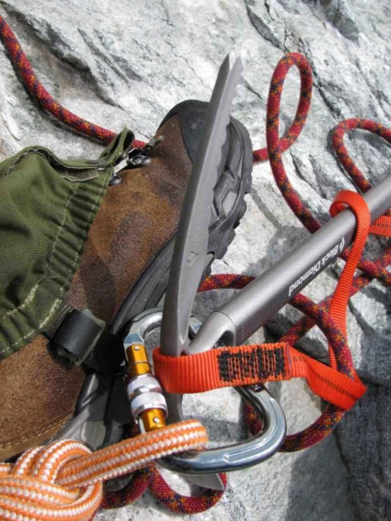 Как пользоваться ледорубом для альпинизма